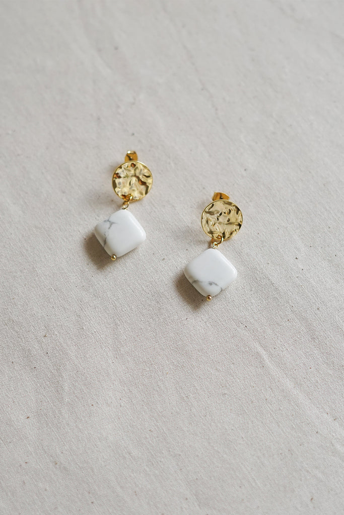 Howlite Wrinkled Coin Earrings