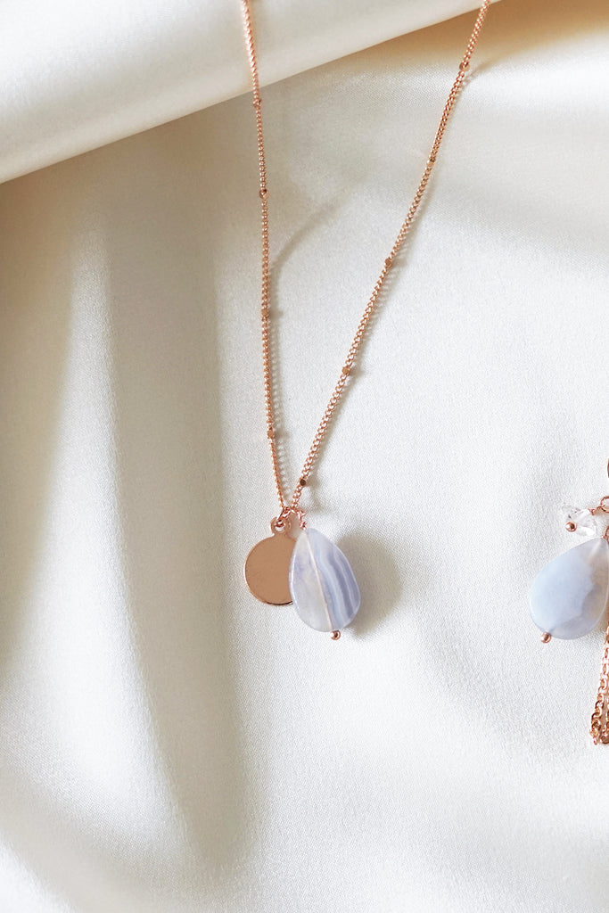 Teardrop Lace Agate Necklace