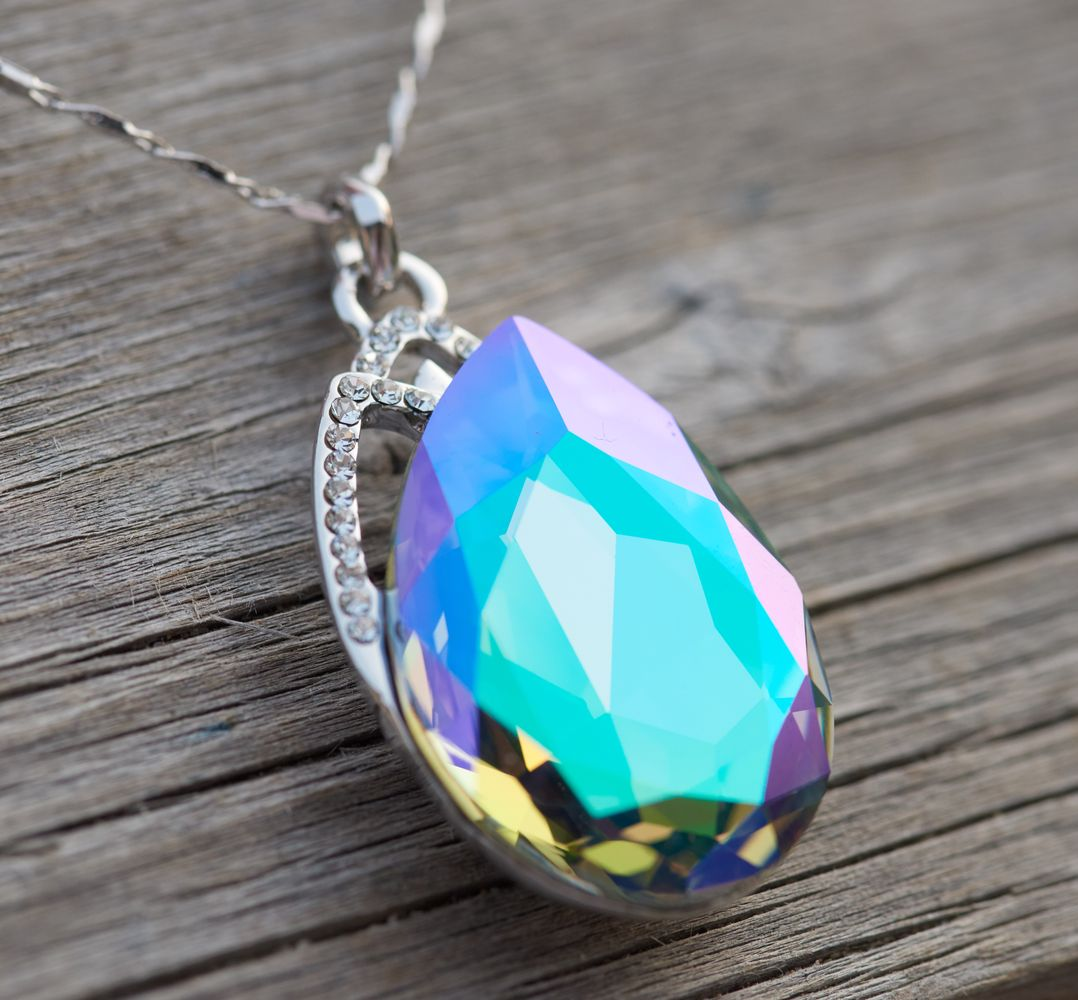 """Lake in The Summer"" Pear Shape Pendant Necklace"