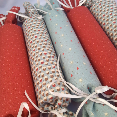 Fabric Christmas Crackers - Set of 6 (Christmas puds/Hearts/Polka-dot) - annie morris