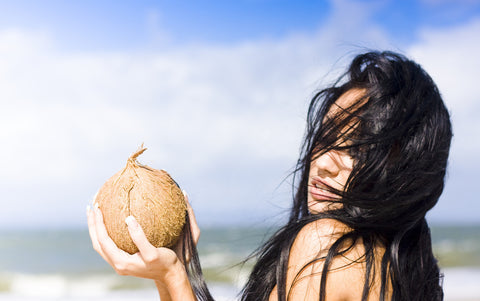 6 Ways to Use Coconut Oil for Hair