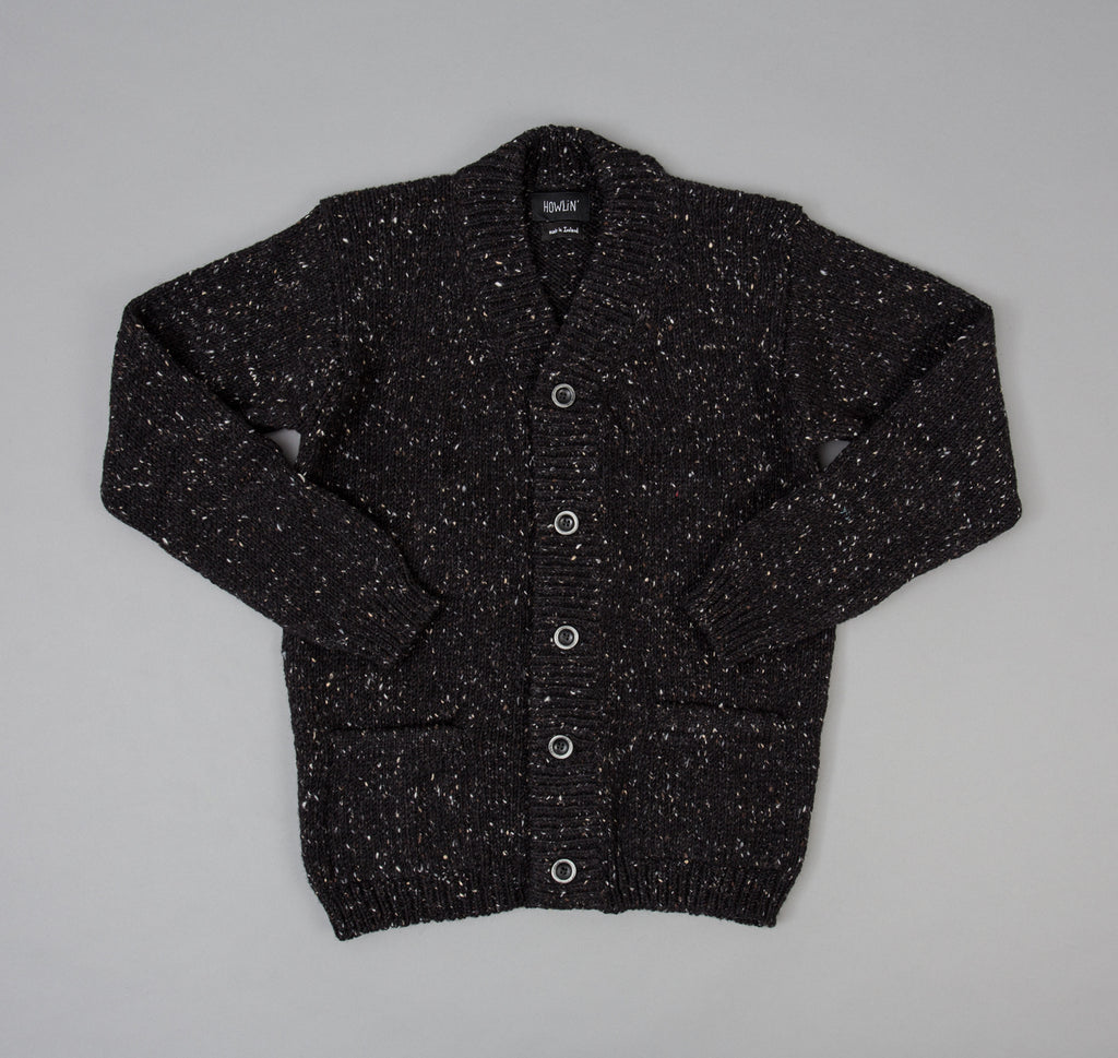 Howlin' Smokey Cardigan, Blackout
