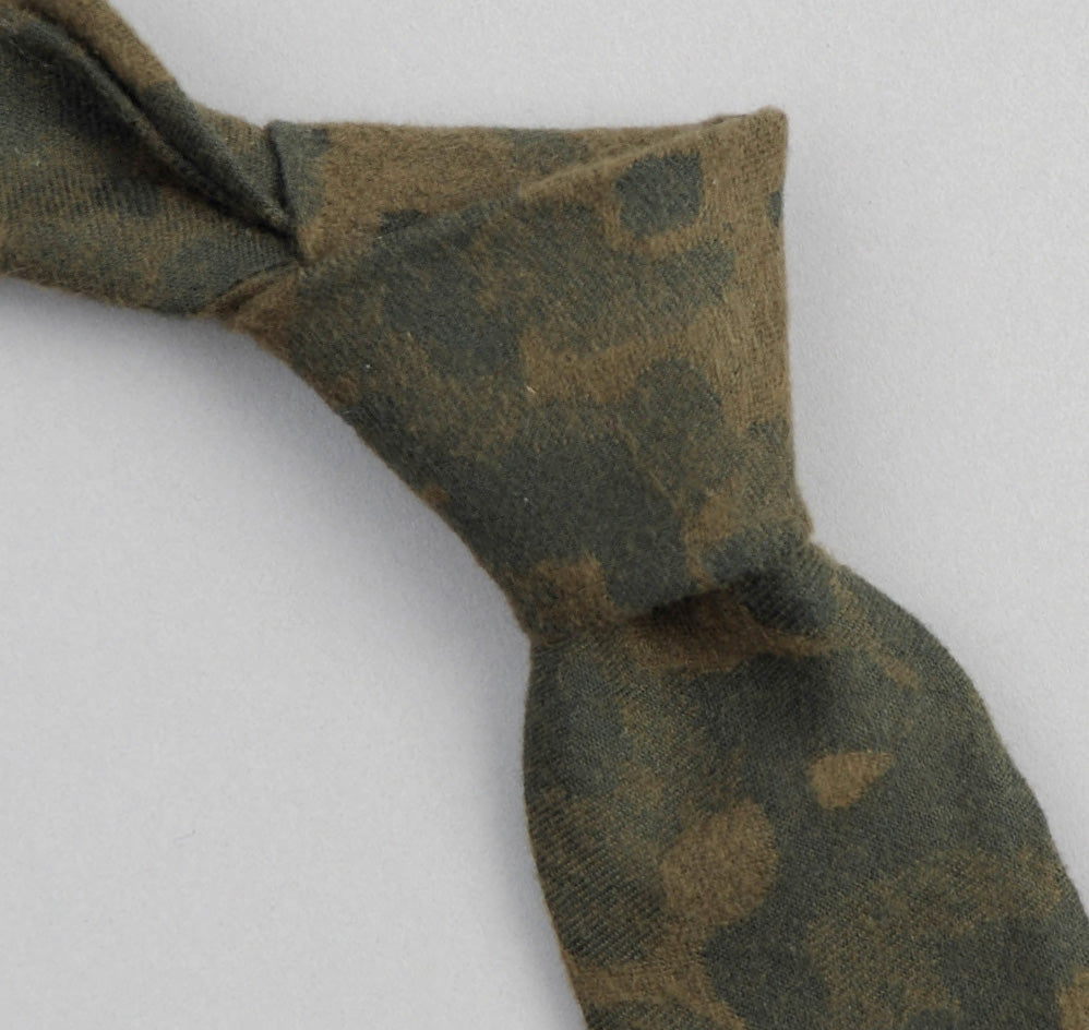 The Hill-Side Brushed Jacquard Camouflage Necktie, Green