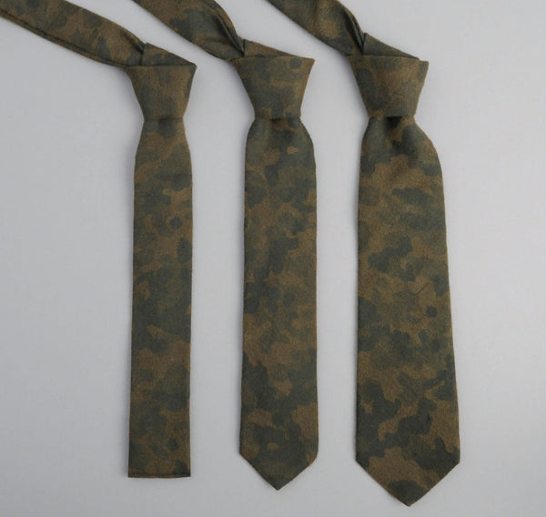 The Hill-Side - Brushed Jacquard Camouflage Necktie, Green - ST1-207 - image 2
