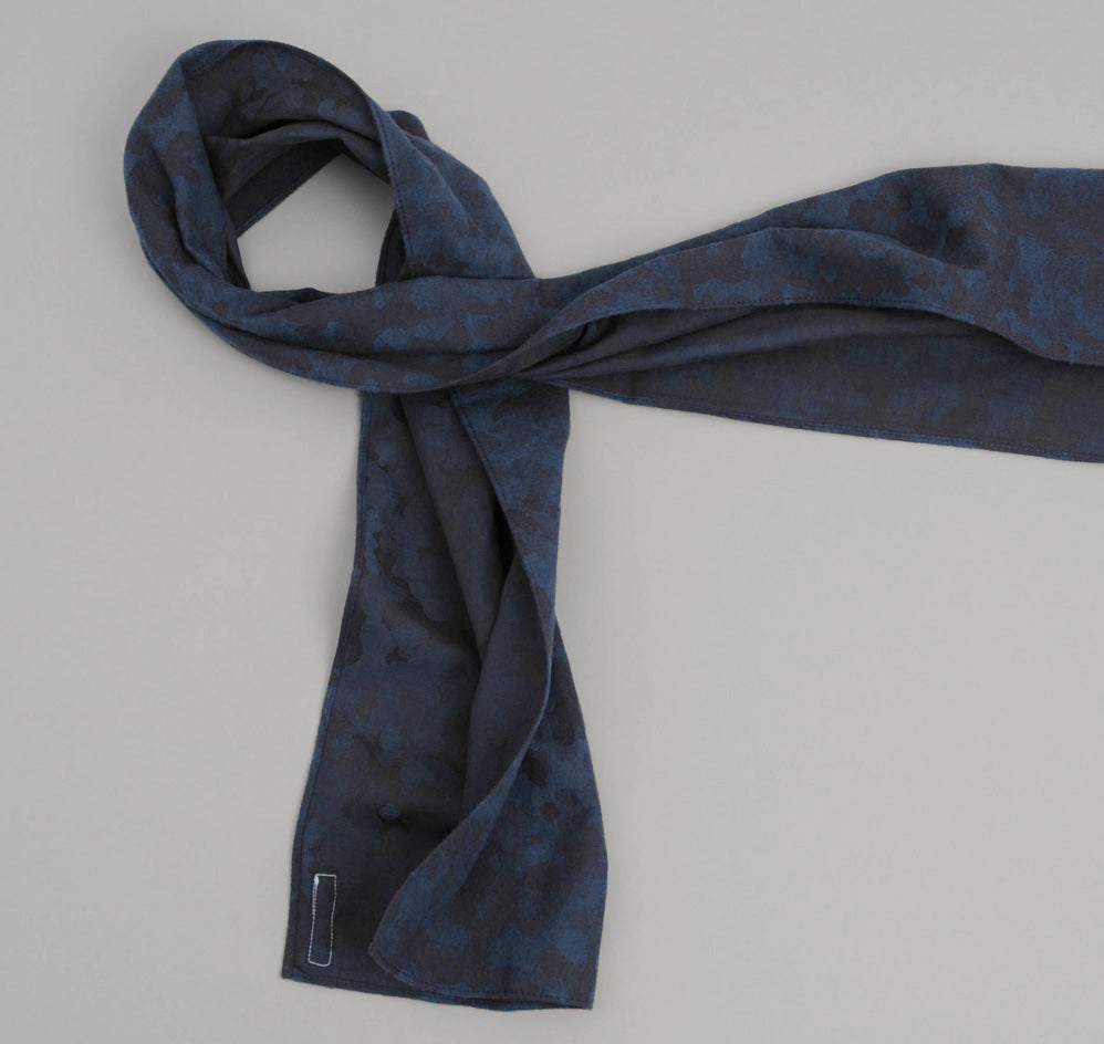 The Hill-Side Brushed Jacquard Camouflage Small Scarf, Navy