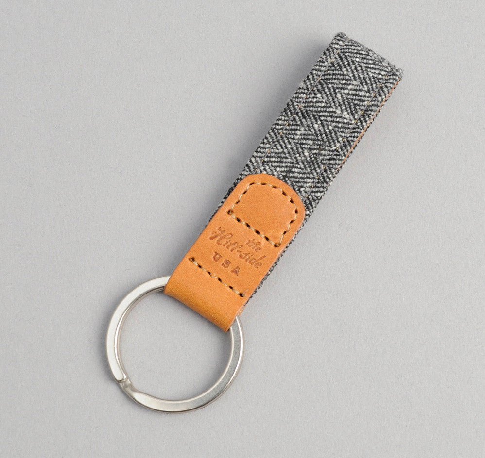 The Hill-Side Cotton Herringbone Tweed Key Fob, Grey