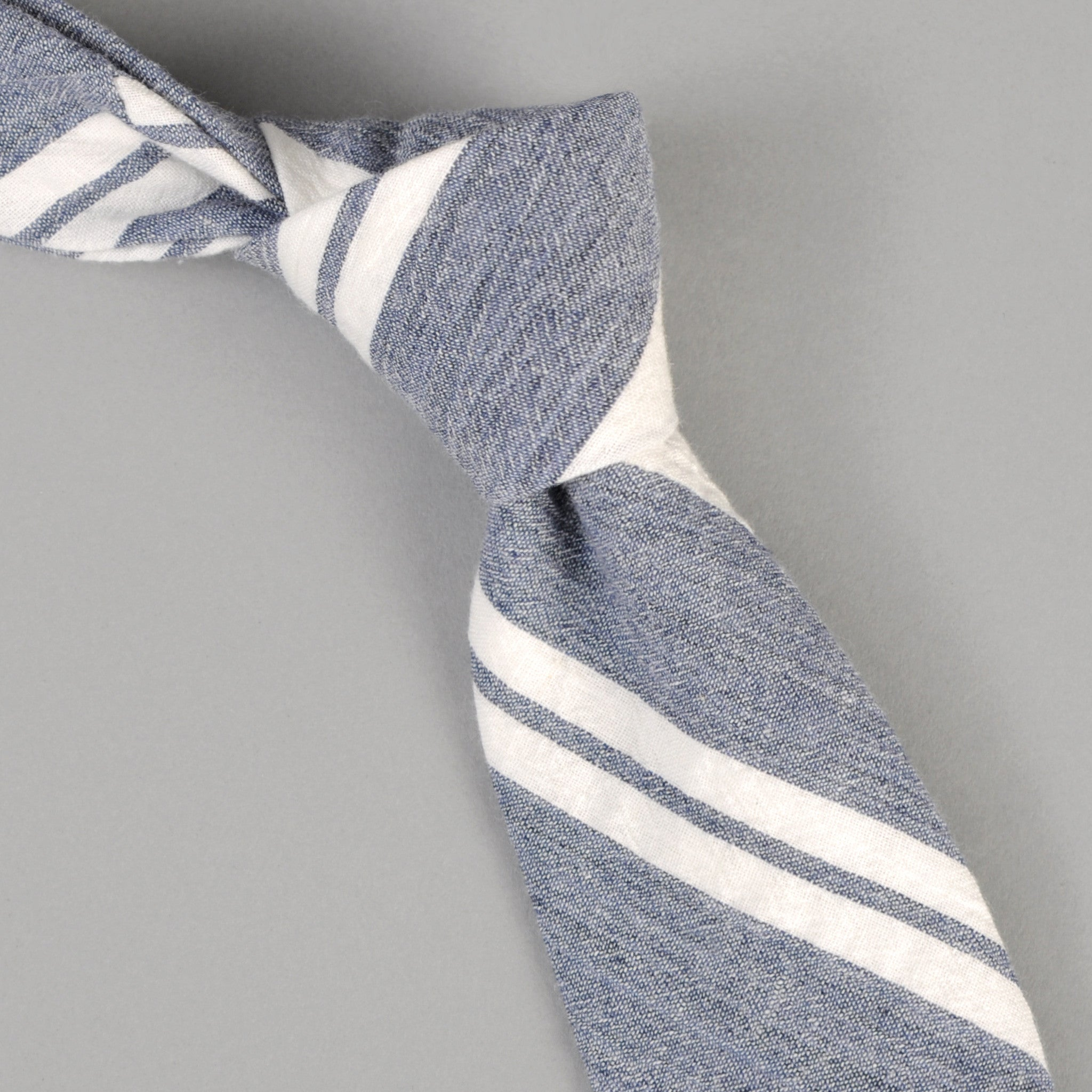 The Hill-Side Cotton/Linen Crepe Stripe Tie, Blue & White