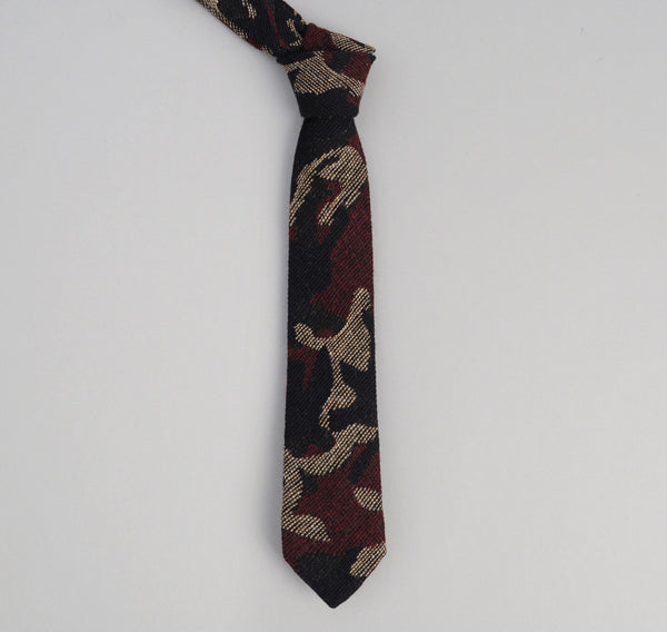 The Hill-Side Cotton / Wool Jacquard Camo Necktie, Red
