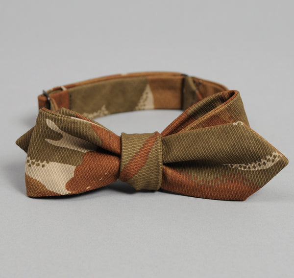 The Hill-Side Hungarian Camouflage Print Bow Tie, Brown / Tan