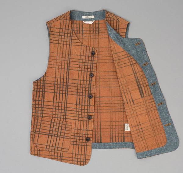 The Hill-Side - Kakishibu Dyed Cotton Oxford Weekend Vest, Hand-Drawn Check - VE1-320 - image 2