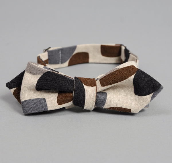 "The Hill-Side Linen Blend ""Almond Stripes"" Bow Tie, Brown / Black"