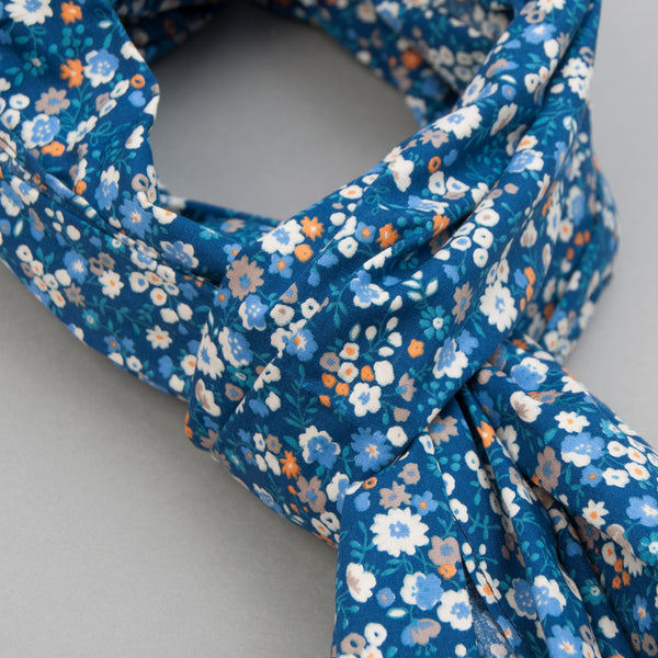 The Hill-Side - Scarf, Small Flowers Print, Blue - SC1-450 - image 2