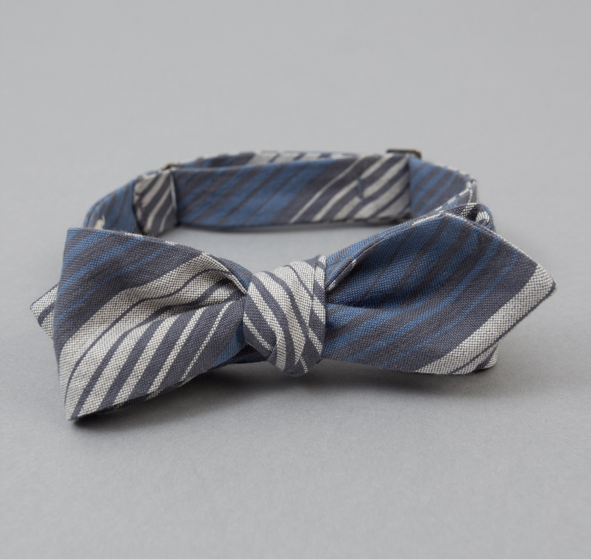 The Hill-Side TH-S Mills Selvedge Waterfall Stripe Chambray Bow Tie, Light Indigo / Grey