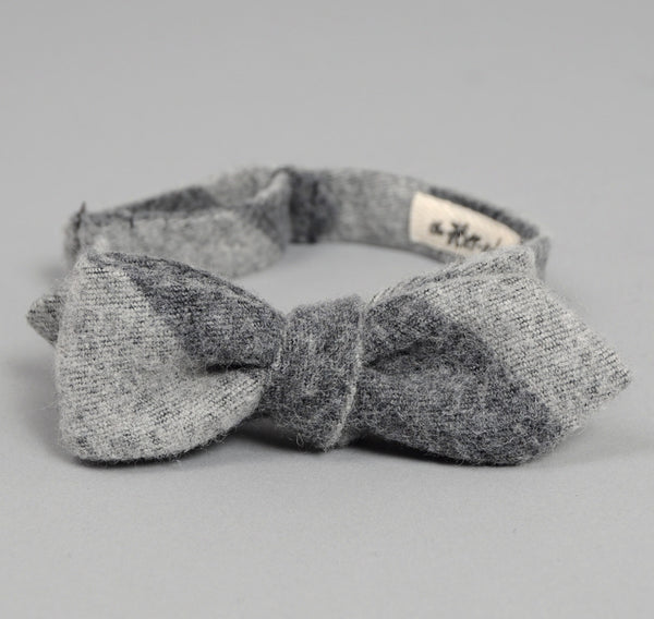 The Hill-Side - Wool / Cotton Blend Border Sripe Flannel Bow Tie, Grey / Grey - BTN-150 - image 2