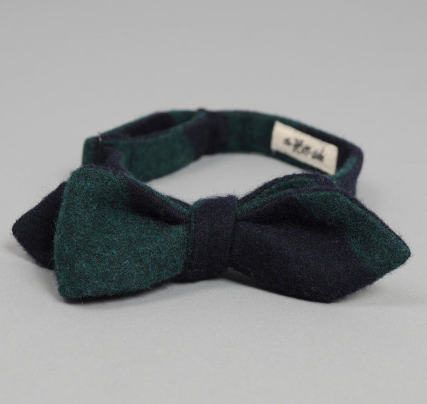 The Hill-Side Wool Blend Border Stripe Flannel Bow Tie, Navy / Green