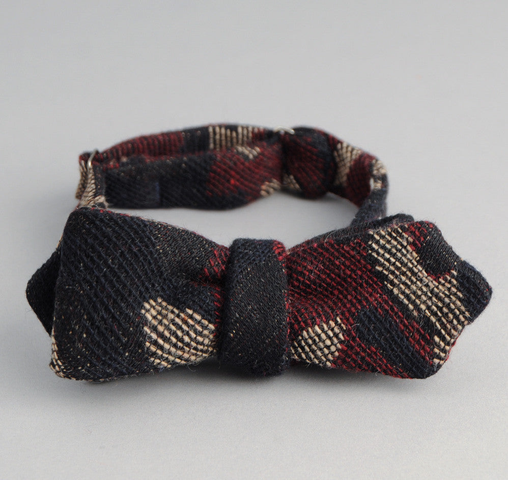 The Hill-Side Cotton / Wool Jacquard Camo Bow Tie, Red