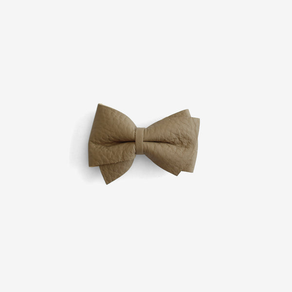 Blaire Petite Leather Bow Clip - Backwoods
