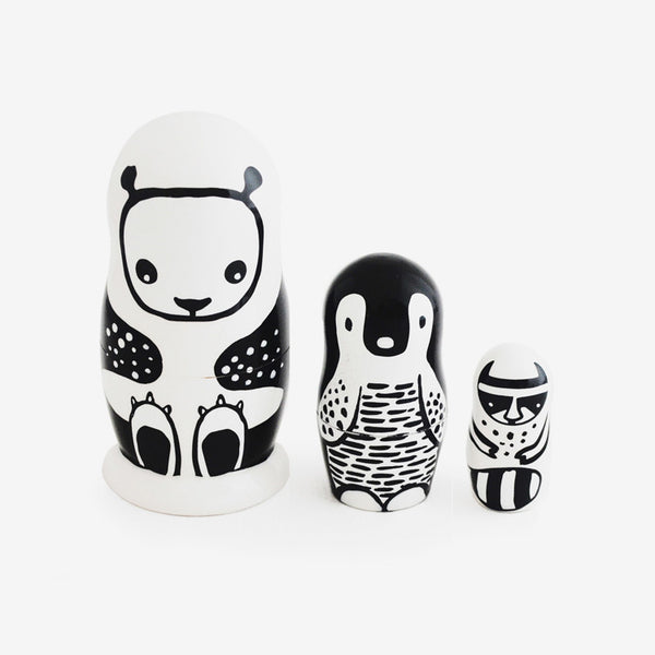 Nesting Animals - black & white