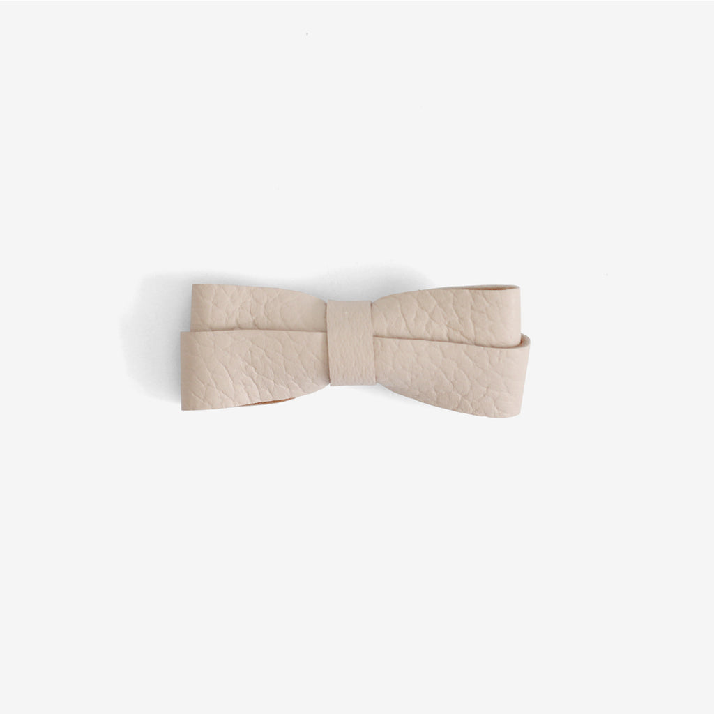 Frankie Leather Bow Clip - Salt