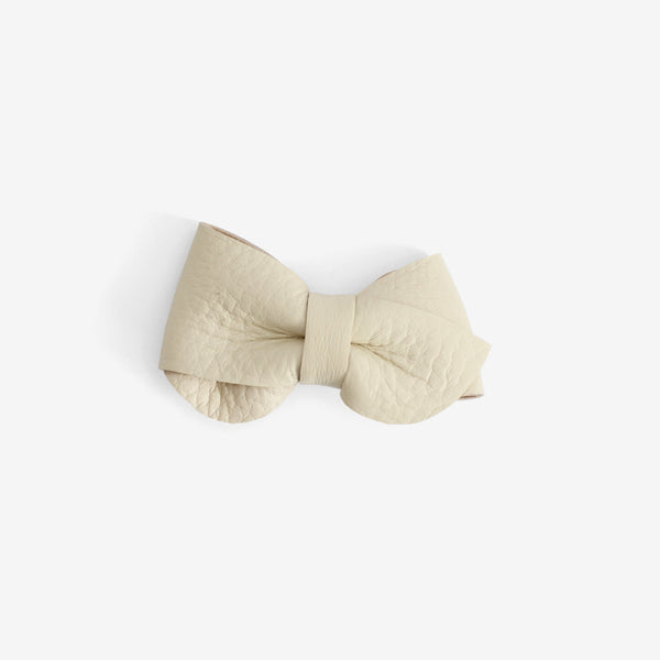 Emmie Leather Bow Clip - Cotton