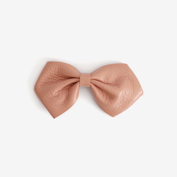 Harlowe Slouchy Leather Bow Clip - Salmon