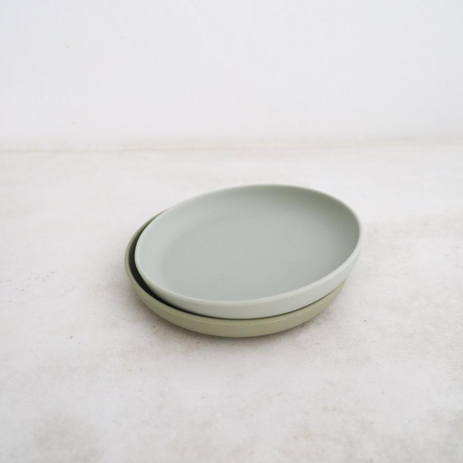 Silicone Plates Set of 2 - Cloud + Oyster
