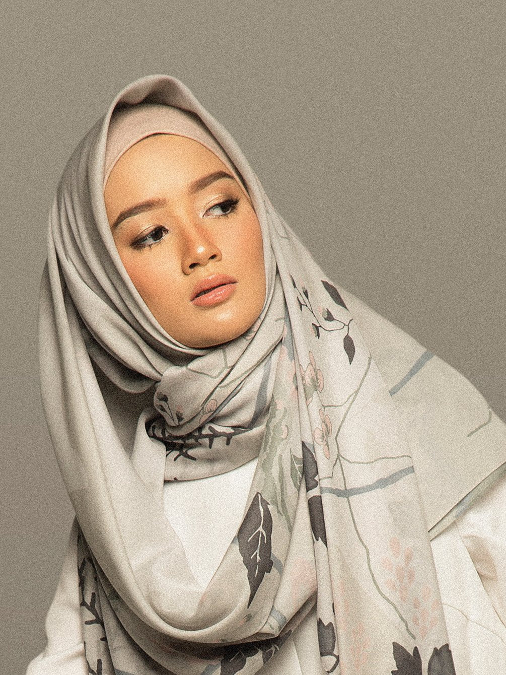 RALINE SCARF PEARL RIVER