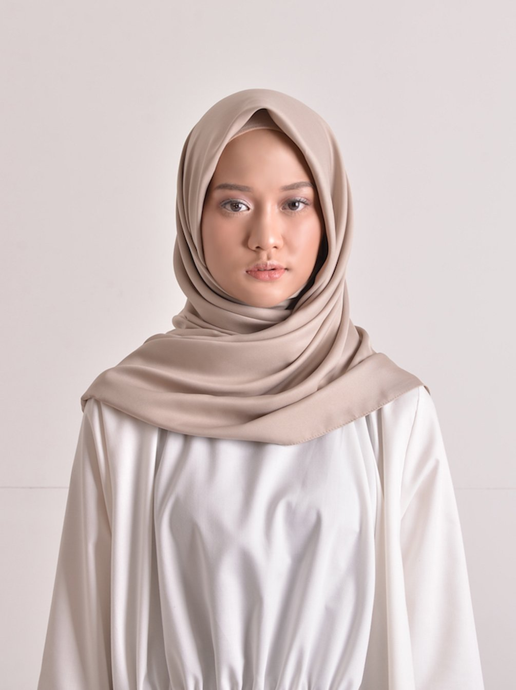 SATEEN SCARF PLAIN ALMOND