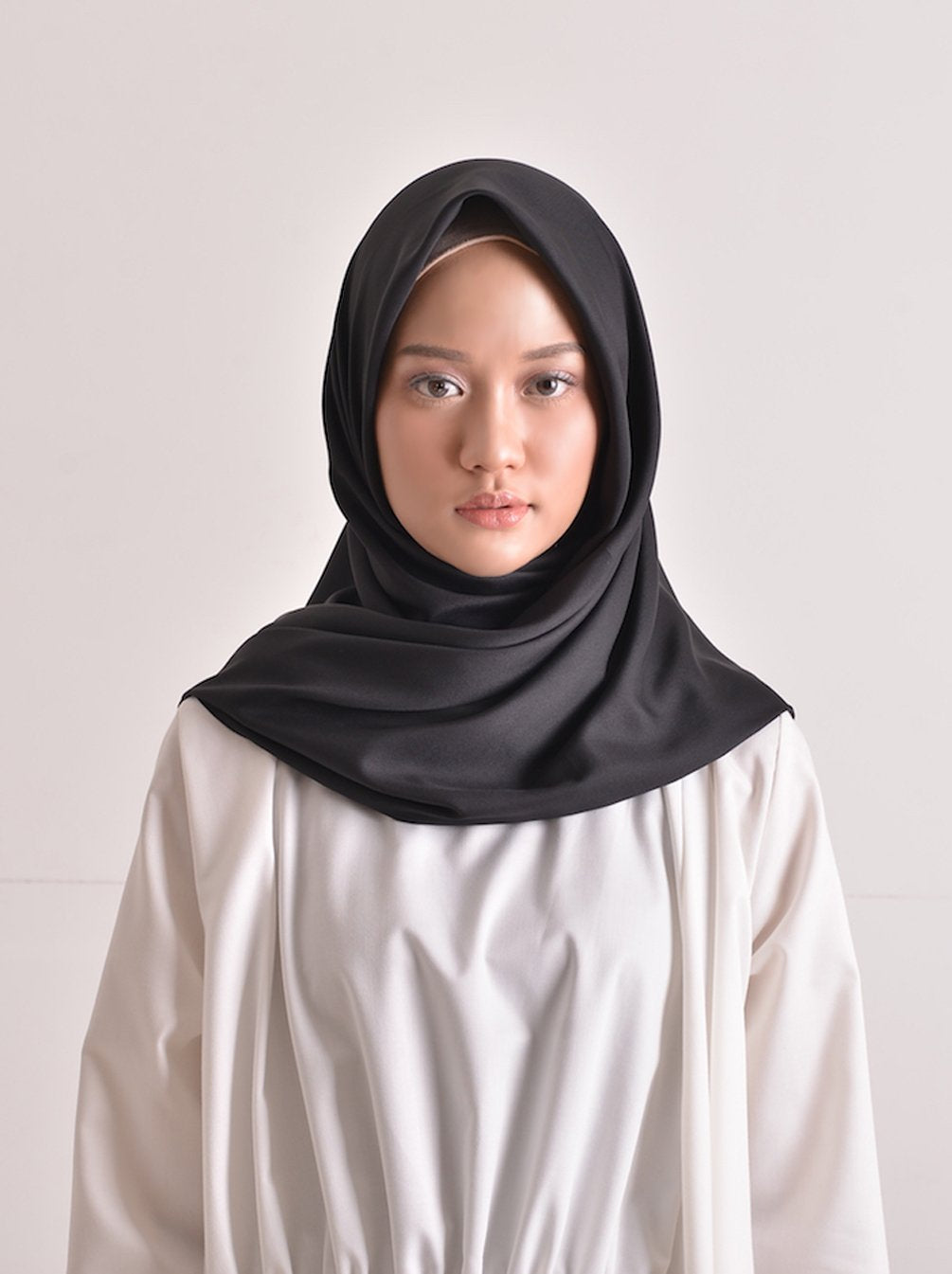 SATEEN SCARF PLAIN BLACK