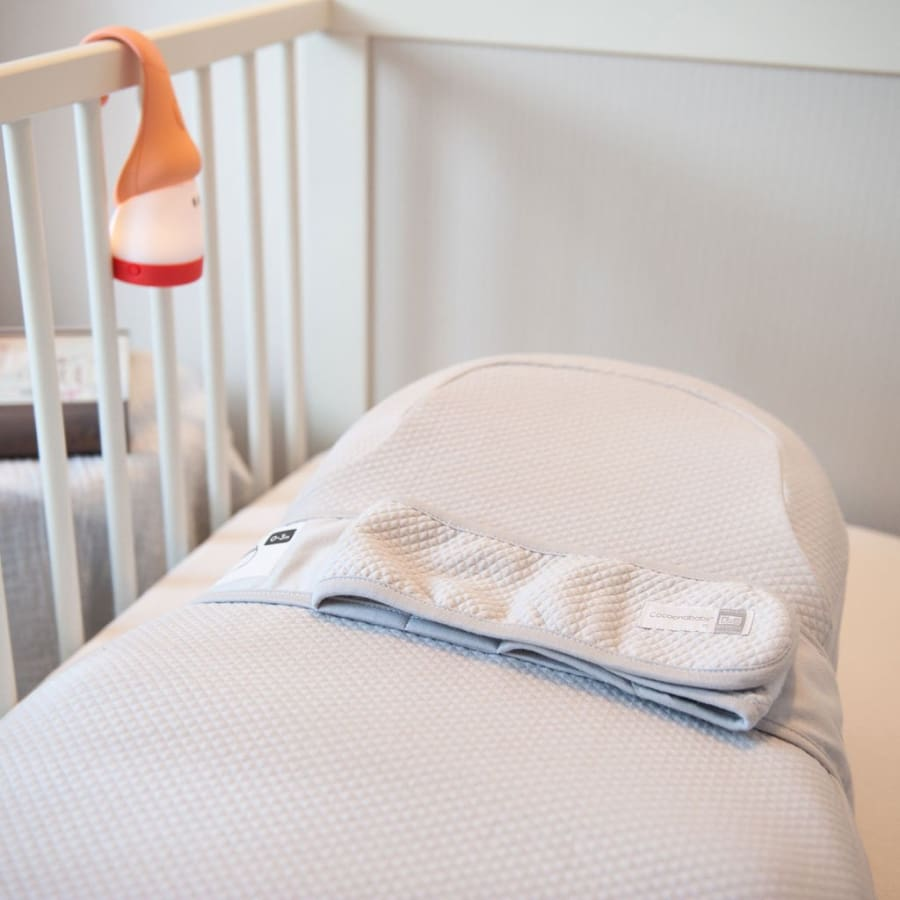 White Red Castle Cocoonababy with Fitted Sheet