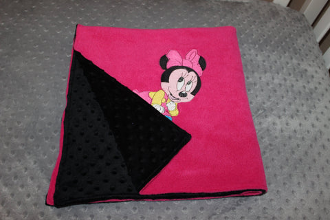 Minnie Mouse Snugly Cuddle Blanket