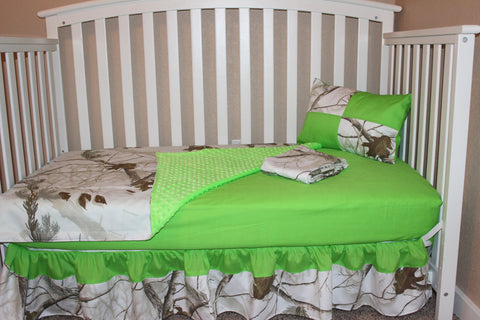 Real Tree AP Snow 5 Piece Crib Bedding Set