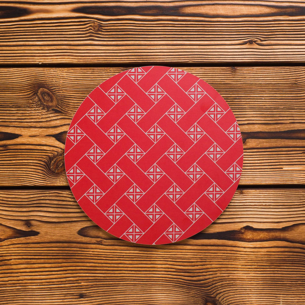 Trivet Baahke with Sámi weave pattern red