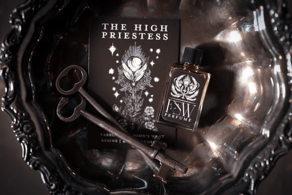 The High Priestess - Perfume for the 11.14.20 New Moon