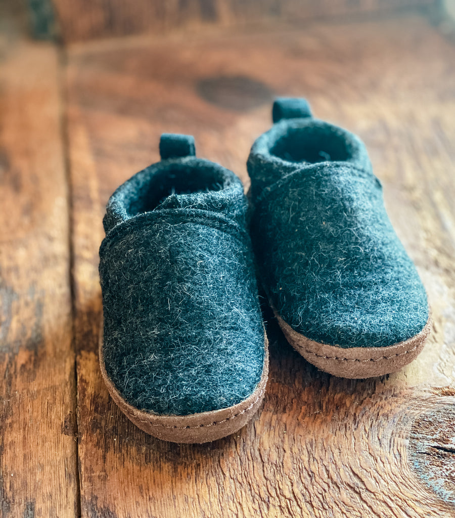 CHARCOAL  Kyrgies + SKD  WOOL SLIPPER  Baby and Toddler