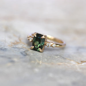 Green Oval Sapphire Ring - 2.5ct - JUX Jewellery