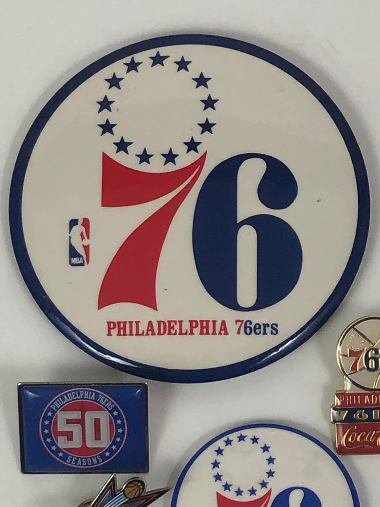 PHILADELPHIA SIXERS VINTAGE BUTTON & PIN SET