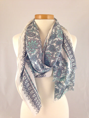 gray white pattern scarf