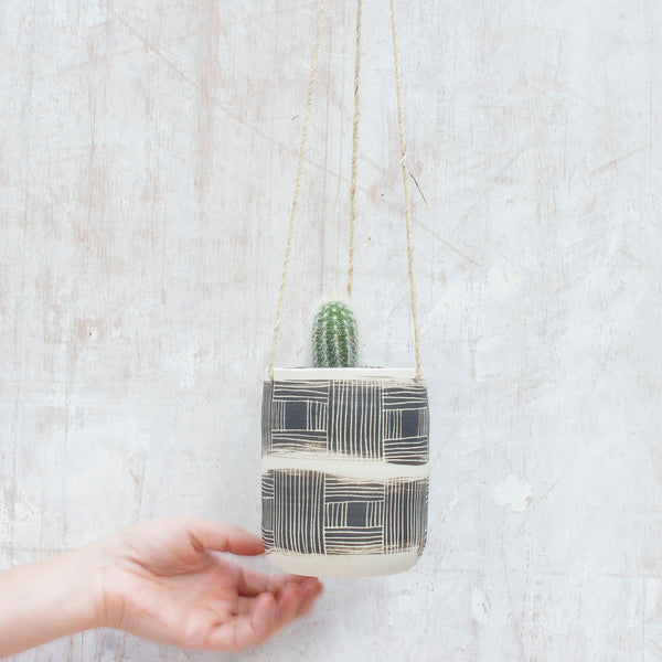 Textured Linear Stripe Med Hanging Planter - Black