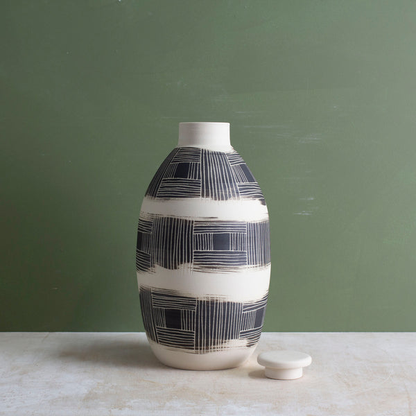 Textured Linear Stripe - Lidded Bottle
