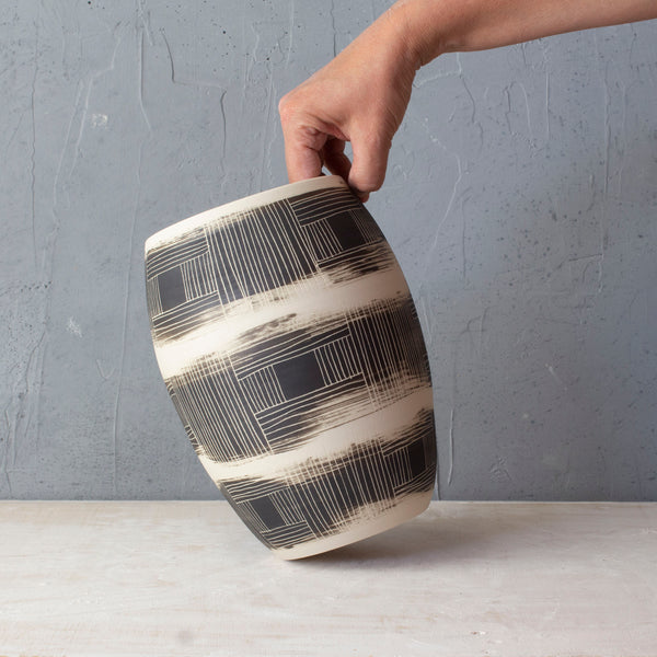 Textured Linear Stripe Contoured Vase - Black