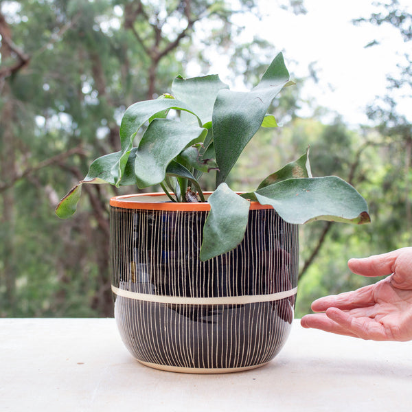 Stripey Road Jumbo Planter L - Black & Nasturtium