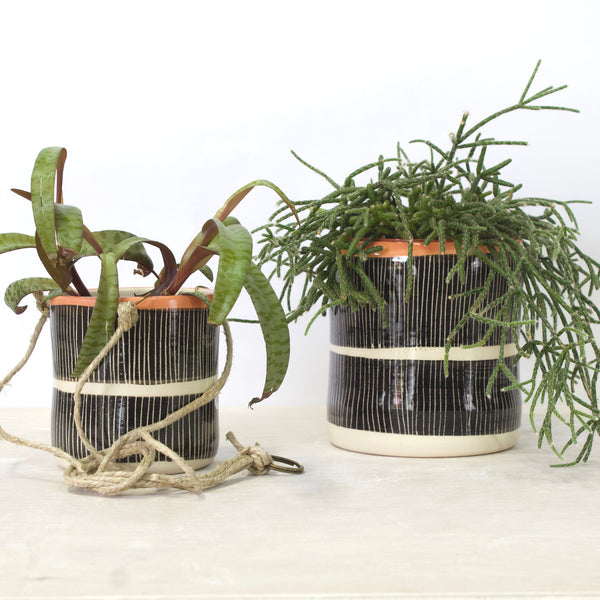 Stripey Road Jumbo Planter S - Black & Nasturtium