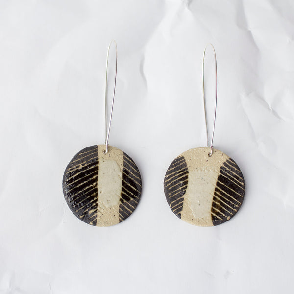 Side Chevron medium disc earrings - Black