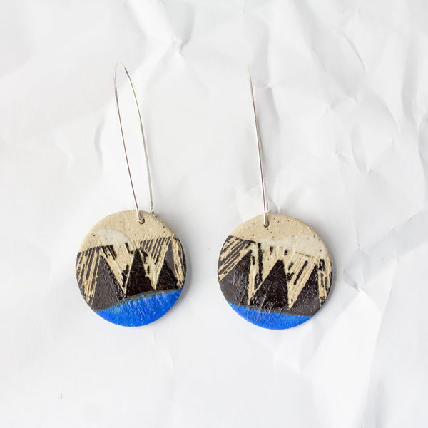 Tri Burst medium disc earrings - Black & Electric Blue