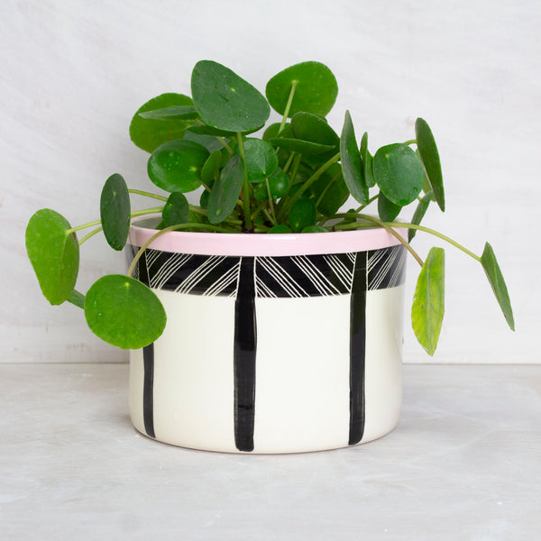 Crosshatch Jumbo Planter S - Black & Dusty Pink