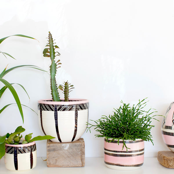 Stitched Up Jumbo Planter M - Black & Dusty Pink