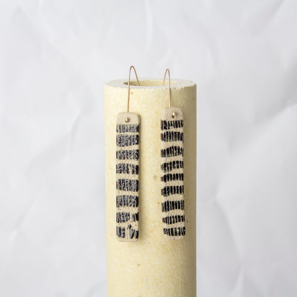 Line Stripes Stick Earrings - Black