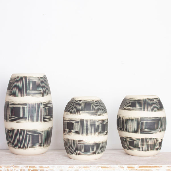 Textured Linear Stripe Medium Vase - Black