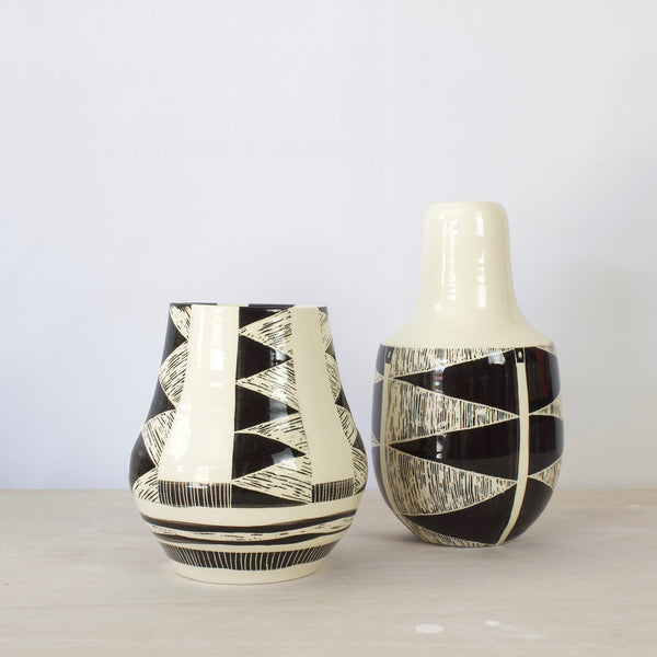 Teeth Vase  - Black